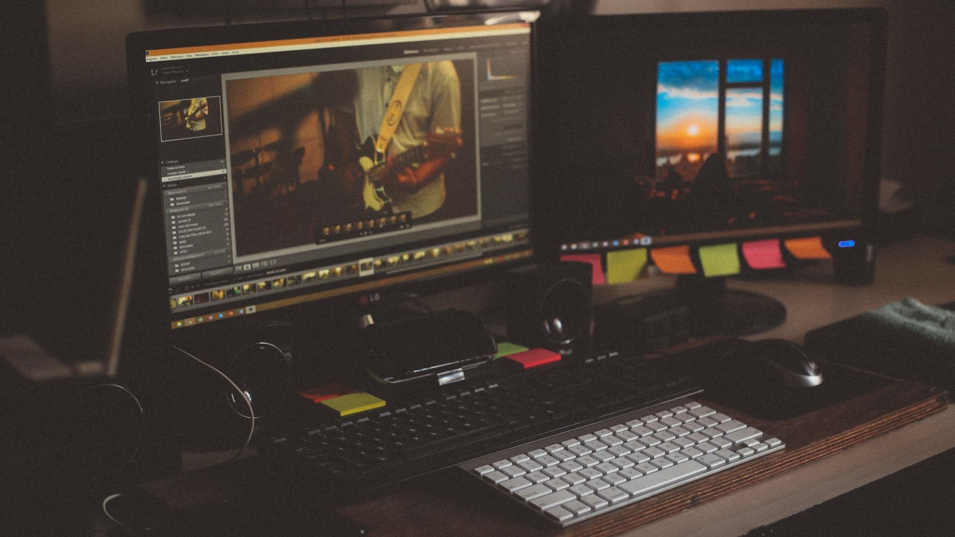 Full-Time Video Editor - 4B Media
